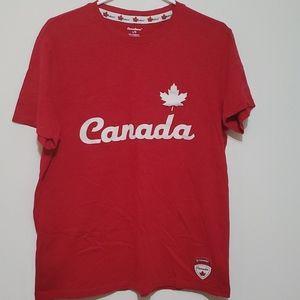 👋 3/$20 O Canada tshirt